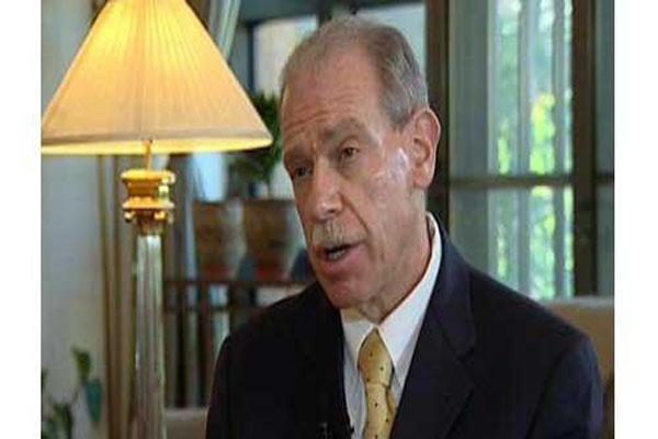 السفير الأمريكي السابق باليمن يتحدث عن تفاصيل خطة ترامب لدعم التحالف