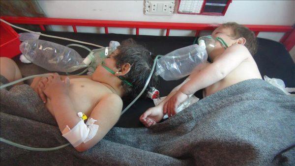 سوريا: أكثر من 100 قتيل بهجوم من النظام بغازات كيماوية في إدلب