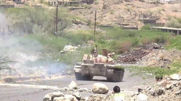 مصرع 10 من مليشيا الحوثي أثناء إحباط الجيش هجوما للمليشيا غرب تعز