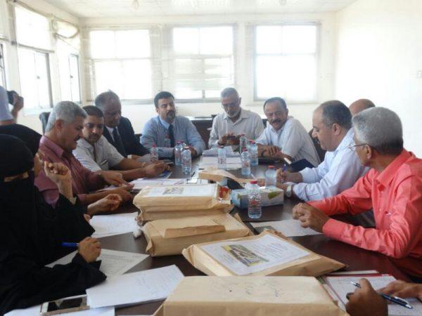 لجنة حكومية تفتح مظاريف مناقصة شراء 100 ميجاوات لكهرباء عدن