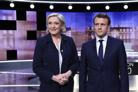 فرنسا تنتخب رئيسا جديدا وماكرون يتصدر استطلاعات الرأي