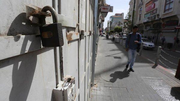 إضراب عام في الأراضي الفلسطينية مع دخول إضراب المعتقلين يومه السادس والثلاثين