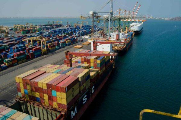 مستوى تداول الحاويات بميناء عدن يتخطى 50% خلال إبريل