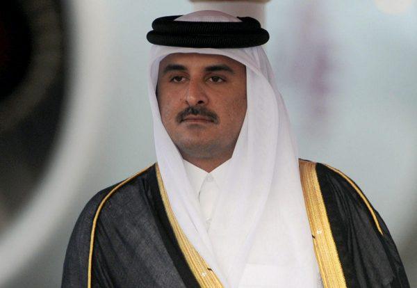 أمير قطر يغادر الكويت بعد زيارة لساعات