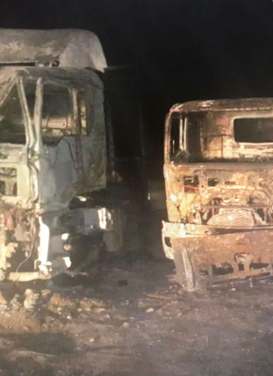"""مليشيا الحوثي تستهدف ثلاث شاحنات تحمل مساعدات بعبوة ناسفة """"بمأرب"""""""
