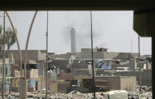 القوات العراقية تتقدم في الموصل القديمة وتستقبل المدنيين الفارين