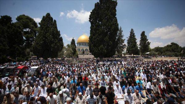 """ربع مليون مصل أدوا صلاة الجمعة الأولى من رمضان في """"الأقصى"""""""