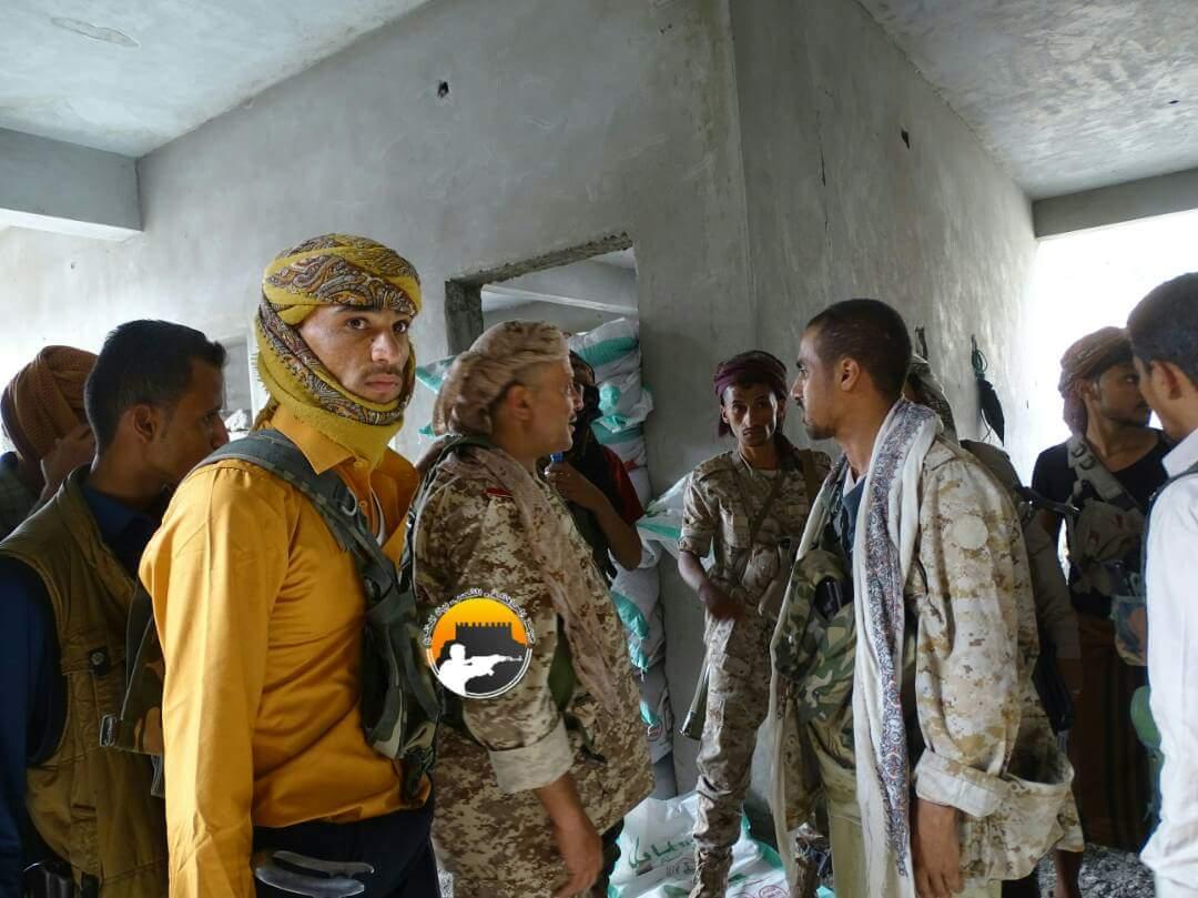 تعز: الجيش يسيطر على معسكر التشريفات وقائد المحور  يشرف على سير العمليات