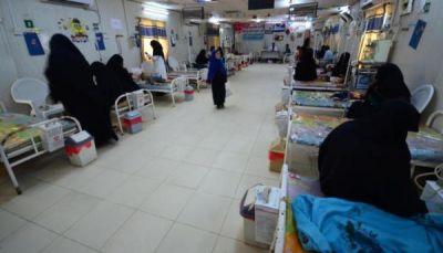 صحيفة بريطانية: الكوليرا تفتك بشخص كل ساعة في اليمن