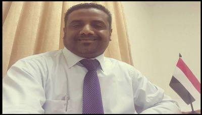 """نقيب المعلمين بالحديدة لـ"""" يمن شباب نت"""": نحتج لحقوقنا ولن يرهبنا الانقلابيون (حوار)"""