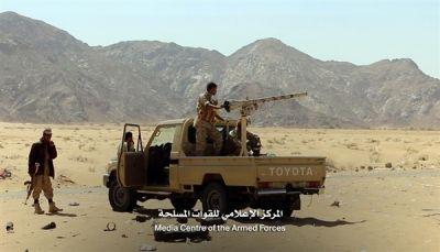 الجيش والمقاومة يستعيدون مواقع جديدة في جبهة بيحان بشبوة ويأسرون 12 حوثياً