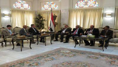 أمريكا تسلم الحكومة اليمنية مذكرة إجراءات منع دخول اليمنيين لأراضيها