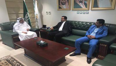 """الوزير """"عسكر"""" يبحث مع الجانب السعودي تفادي احتجاز المليشيا للمساعدات الاغاثية"""