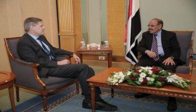 أمريكا تجدد رفضها للانقلاب وحرصها على تحقيق السلام في اليمن