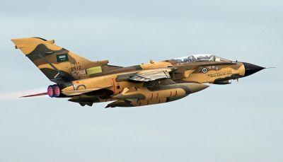 مقتل خمسة من القوات الحكومية وثلاث نساء في غارات للتحالف العربي بتعز (تحديث)