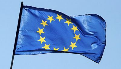 الاتحاد الأوروبي يعتزم تسيير جسر جوي لإيصال مساعداته إلى اليمن