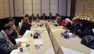 سفراء الدول الـ18 يدعون للتحقيق في السجون السرية في اليمن