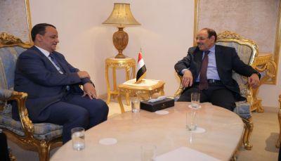 نائب الرئيس يناقش جهود استئناف العملية السياسية مع المبعوث الأممي