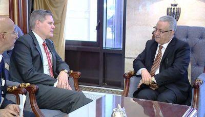 محافظ عدن يلتقي السفير الأمريكي لدى اليمن
