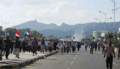 اشتباكات بين مسلحين وقوات الأمن على خلفية مقتل مسؤول أمني بعدن