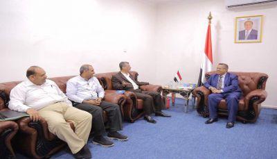 """الغرفة التجارية بـ""""لحج"""" توقع اتفاق تعاون مع منتدى رجال الاعمال العرب في الصين"""