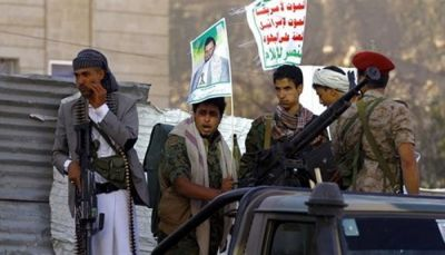 قيادي حوثي يكشف عن أسباب زيارة المبعوث الأممي إلى صنعاء