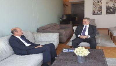 في أول لقاء له.. نائب المبعوث الأممي يعلن عن فتح مكتب في العاصمة المؤقتة عدن