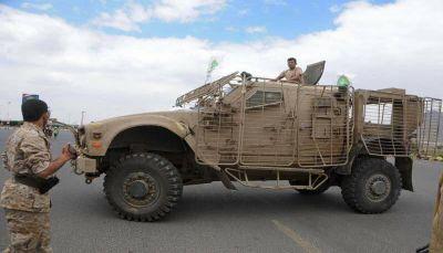 مدرعات إمارتية بصنعاء.. ناشطون يتساءلون عن كيفية حصول الحوثيين عليها؟