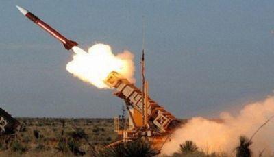 مسؤول يمني يكشف آلية تهريب إيران للصواريخ الباليستية للحوثيين