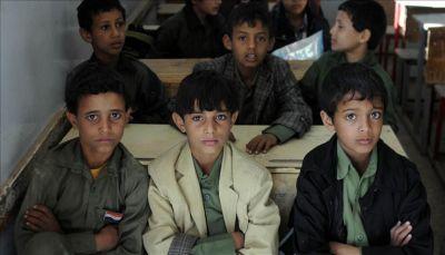 بعد دخولها العام الرابع.. هل تنتج الحرب في اليمن جيلاً أميّاً؟