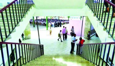 عدن: مجاميع مسلحة تقتحم عدد من المدارس لفرض الإضراب بالقوة