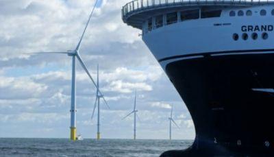 الطواحين الريحية في البحار قد تكفي لتوليد طاقة للعالم كلّه