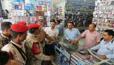 تعز: حملة أمنية لتأمين و حماية المحلات التجارية وسط المدينة
