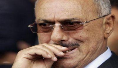"""إعلام الحوثي مهاجمًا المخلوع صالح: """"خائن ويجب شنقه على باب اليمن"""""""