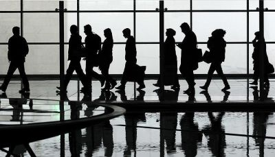 بعد تعليق 120 يوماً.. ترامب يقرر استئناف استقبال المهاجرين مع قيود جديدة