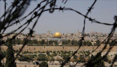 """اللاجئون الفلسطينيون.. ضحايا وعد """"بلفور"""""""