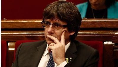 زعيم كتالونيا و4 وزراء يسلمون أنفسهم للشرطة البلجيكية