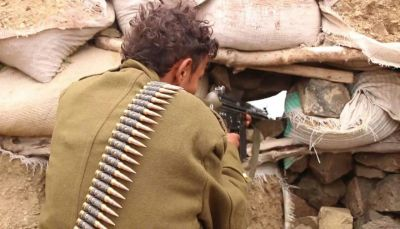 تعز: مقتل 12 من ميلشيات الحوثي بينهم قيادي ميداني بمواجهات مع الجيش