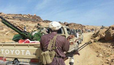 """الجوف: الصليب الأحمر ينتشل جثث مقاتلين حوثيين في مديرية """"خب والشعف"""""""