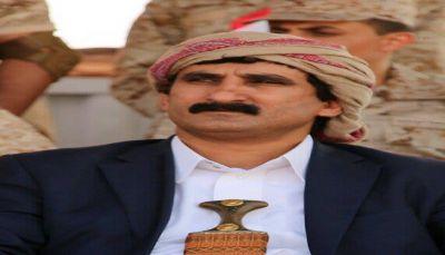 محافظ صنعاء يتفقد جرحى جبهة نهم في هيئة مستشفى مأرب