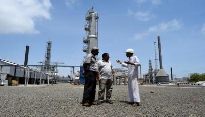 صحيفة: قوات إماراتية تمنع الحكومة من تصدير شحنة نفط من ميناء الضبة بحضرموت