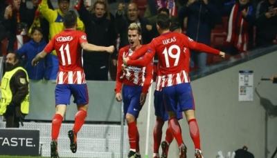 أتليتكو مدريد ينعش آماله بفوز ثمين على روما