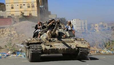 تعز: مقتل إثنين حوثيين بمعارك مع الجيش وإصابة مدنيين شرق المدينة
