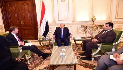 """بريطانيا تجدد تأكيدها على دعم الشرعية وتعبر عن أسفها لغدر الحوثيون بحليفهم """"صالح"""""""