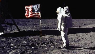 ترامب يريد إرسال رحلات مأهولة إلى القمر... وبعدها للمريخ