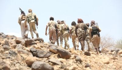الجيش يعلن القبض على قيادي حوثي مقرب من زعيم الجماعة وثلاثة من مرافقيه بالضالع