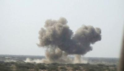 حجة: مقاتلات التحالف تدمر آليات عسكرية للحوثيين شرق ميدي