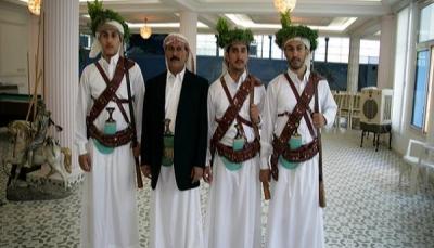 مصادر: أفراد من أسرة صالح وصلوا عدن بحماية قوات مدعومة من الإمارات