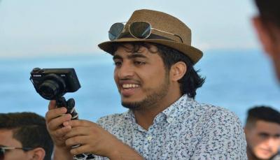 """قناته على """"اليوتيوب"""" شاهدها الملايين.. يمني تحرمه جنسيته من التكريم في لندن"""