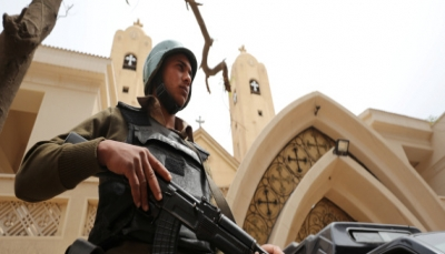 مسلح فتح النار وقتل 9 في كنيسة بالقاهرة والشرطة قتلته قبل تنفيذه الاقتحام (فيديو)